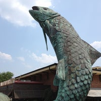 Photo taken at Atlanta Fish Market by Scary S. on 7/1/2012
