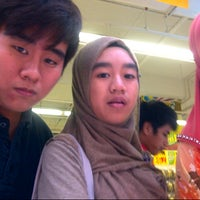 Photo taken at Giant by Fareez F. on 7/6/2012