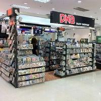 Photo taken at DNA by Noppadon C. on 7/2/2012