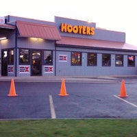 Photo taken at Hooters by K. K. on 5/19/2012