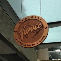 6/21/2012 tarihinde Andrei Z.ziyaretçi tarafından Espresso Vivace'de çekilen fotoğraf