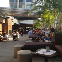 Photo taken at The Empire Hotel Rooftop by Elias N. on 8/16/2012