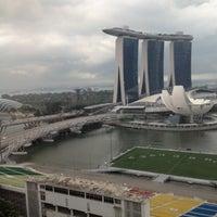 Photo taken at Mandarin Oriental, Singapore by Shinja A. on 4/29/2012