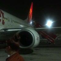 Photo taken at SG851 BOM-DEL / SpiceJet by Uditvanu D. on 4/1/2012
