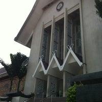 Photo taken at National Museum (Muzium Negara) by Leonard L. on 6/1/2012