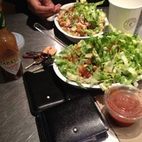 Foto tomada en Chipotle Mexican Grill por Roger M. el 6/23/2012