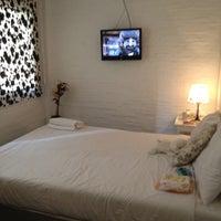 Photo taken at Padi Madi Guesthouse by sineenart n. on 5/23/2012