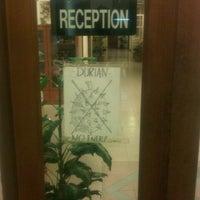 Foto scattata a Double Lion Hotel da Rosdie S. il 9/3/2012