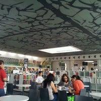 3/9/2012 tarihinde Alberto C.ziyaretçi tarafından Fondo de Cultura Económica Rosario Castellanos'de çekilen fotoğraf