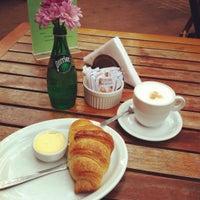 Foto tirada no(a) Barbarella Bakery por Bruna B. em 3/2/2012