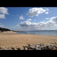 Foto tirada no(a) Praia de Santo Amaro de Oeiras por Jorge B. em 3/18/2012