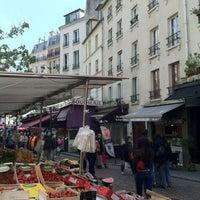 Photo prise au Rue Mouffetard par Jasmine M. le5/12/2012