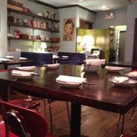 Photo prise au Café China par Jon Z. le5/1/2012