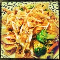 5/28/2012 tarihinde Mandy W.ziyaretçi tarafından Lanna Thai'de çekilen fotoğraf