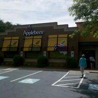 Photo taken at Applebee's Neighborhood Grill & Bar by Matthew K. on 5/12/2012