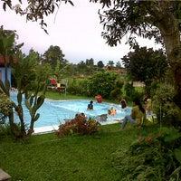 Photo taken at Hotel Cisarua Indah by LINDA V. on 4/7/2012