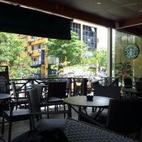 Photo taken at Starbucks by Hakim H. on 5/14/2012