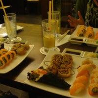 Das Foto wurde bei Mikoto Sushi von Marlina S. am 6/9/2012 aufgenommen