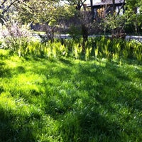 Photo taken at The Blue Lawn - Rosedale by Andy H. on 4/29/2012