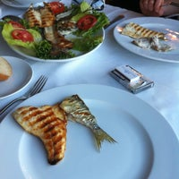 Photo prise au Akıntı Burnu Restaurant par Dimas T. le5/7/2012