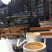 Foto tomada en Coffee Company por Vincent T. el 3/20/2012