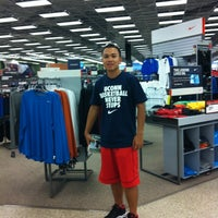 Photo taken at Sports Authority by Remy Dodoy J. on 5/26/2012