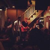 6/28/2012にJessa T.がRocky's Bar & Grillで撮った写真
