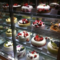 Photo taken at Paris Baguette by D K. on 4/13/2012