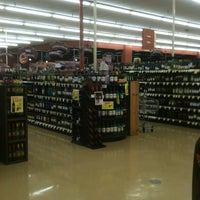 Photo taken at Giant Eagle Supermarket by Mike P. on 2/25/2012