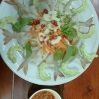 Photo taken at Mae Klong Seafood by W S. on 7/24/2012
