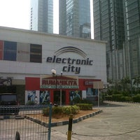 Photo taken at Electronic City by Rihin R. on 9/4/2012