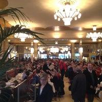 Photo prise au Brasserie Georges par Xiao-yun W. le3/18/2012
