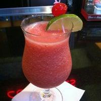 Foto tomada en La Parrilla Mexican Restaurant por Hannah H. el 8/8/2012