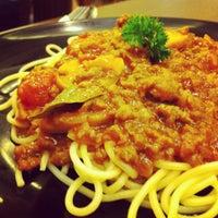 Photo taken at Penang Nyonya by Moriazi M. on 4/8/2012