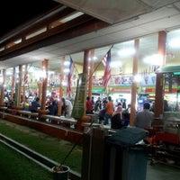 Photo taken at R&R Bukit Gantang - Northbound by Amer Ezzadeen A. on 8/17/2012