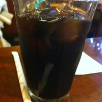 Das Foto wurde bei Cafe Arles von Iwasaku T. am 5/5/2012 aufgenommen