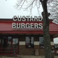 Photo taken at Oscar's Frozen Custard by Micah S. on 3/31/2012