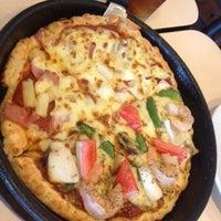 Photo taken at Pizza Hut by Nin W. on 9/7/2012