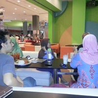 Photo taken at The Pancake Parlour by Reza I. on 7/11/2012