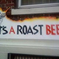 Foto tomada en Roast Beast por Erik D. el 7/8/2012