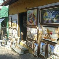 Foto tirada no(a) Feira de Artesanato de Embu das Artes por Régis L. em 9/9/2012