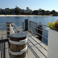 Foto tirada no(a) Friendship Boat Dock - Yacht & Beach Club Resorts por Scott F. em 9/7/2012