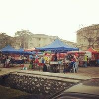 Photo taken at bazaar andalas by Suraiya H. on 8/3/2012