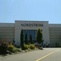 Foto diambil di Nordstrom Tacoma Mall oleh Captain B. pada 7/12/2012