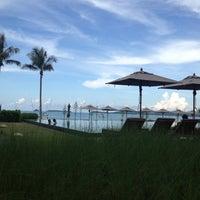 Photo taken at Hansar Samui Resort & Spa by Dong C. on 4/18/2012
