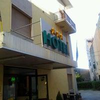 Foto scattata a Hotel Giardino da Andrea R. il 5/2/2012