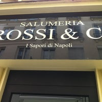Das Foto wurde bei Rossi & Co von Valentina B. am 6/13/2012 aufgenommen