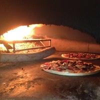 8/7/2012 tarihinde Faruk S.ziyaretçi tarafından Olivia's Pizzeria'de çekilen fotoğraf