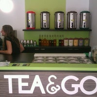 Foto tomada en TEA & GO - Fresh Bubble Tea  por Vaclav S. el 6/12/2012