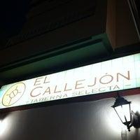 Photo taken at Taberna El Callejon by Desirée on 8/30/2012